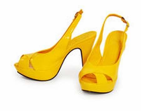 chaussures jaunes. Black Bedroom Furniture Sets. Home Design Ideas