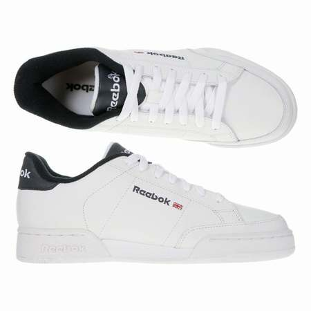 chaussures reebok classic homme chaussures reebok blanche. Black Bedroom Furniture Sets. Home Design Ideas