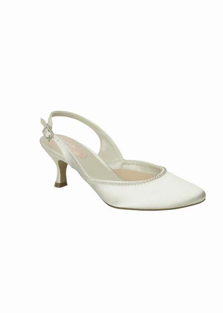 b3b5804ae1fe4f chaussures blanches robe ivoire,chaussures ivoire annecy,chaussures mariee  cuir ivoire